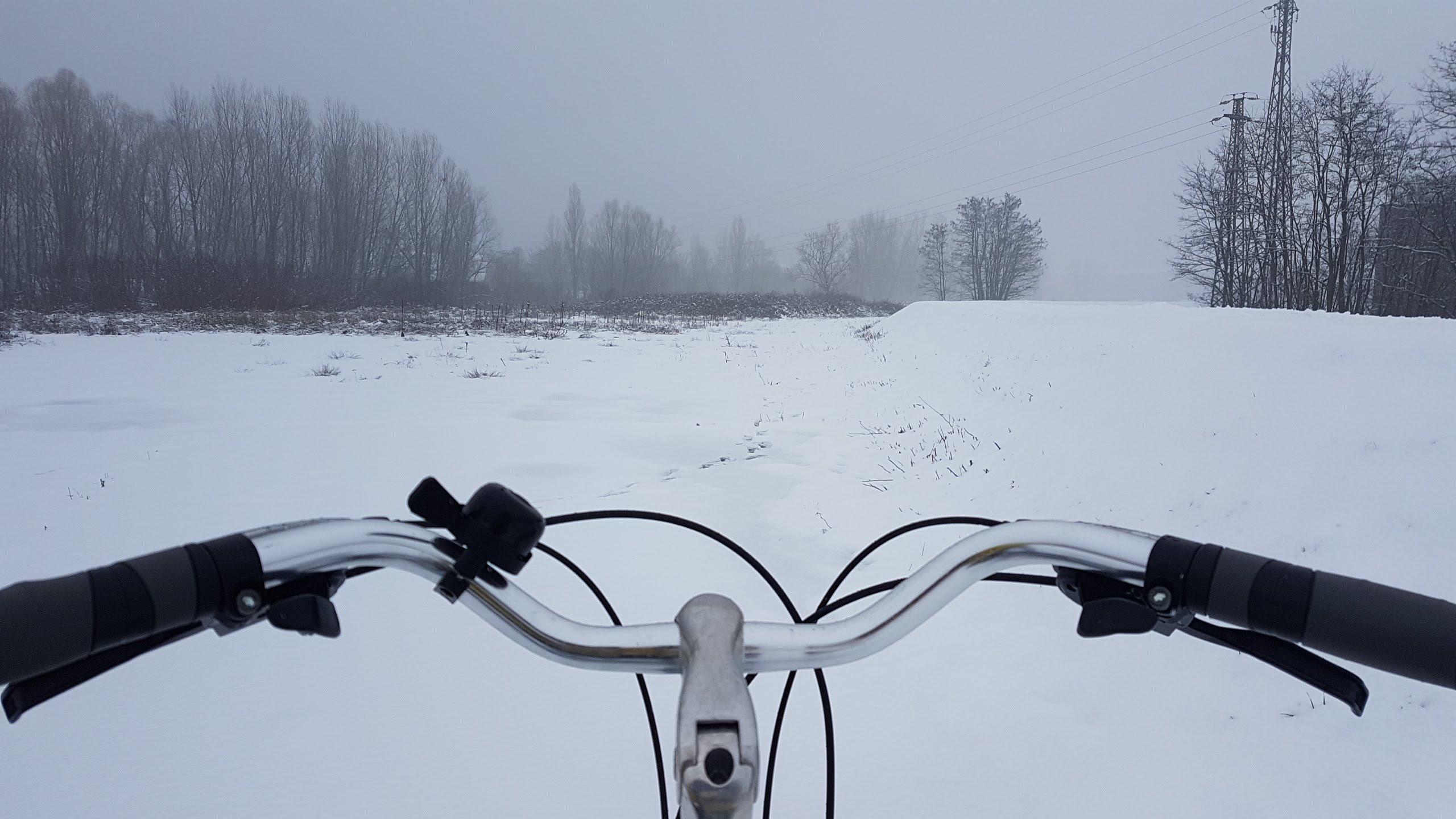 Ode al pedalar sotto la neve