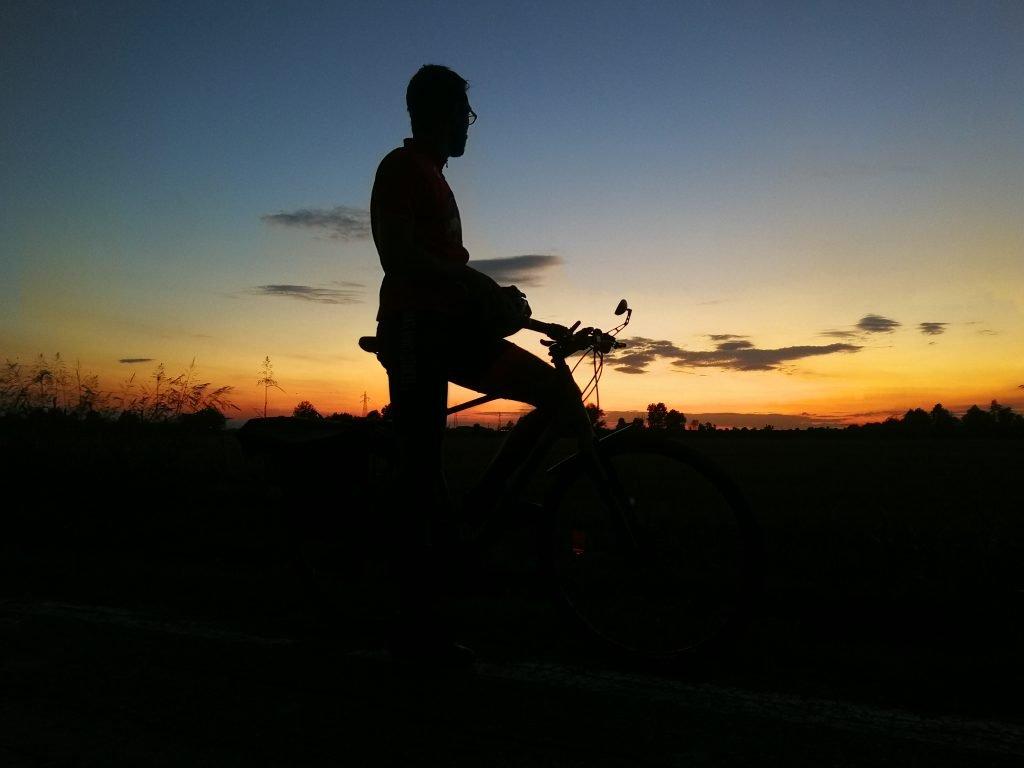 Tramonto e bici